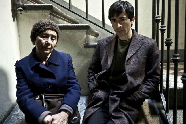 L'attore con Aida Burrano madre sia nel film che nella vita.